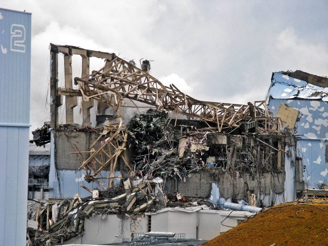 Fukushima-Daiichi-Unit-3-after-explosion-March-20th-2011-5
